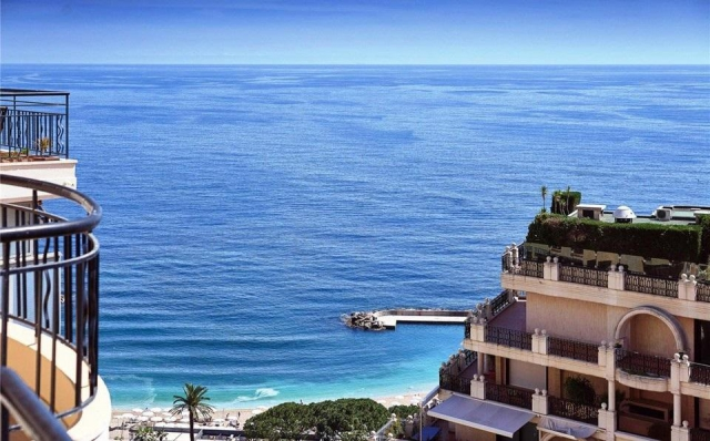 Penthouse with 2 bedrooms for sale with stunning views of the sea in Larvotto Monaco