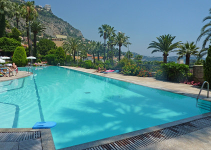 Loft-style 2 bedroom 83m2 apartment with terrace in Monaco close to Monte-Carlo Beach Club