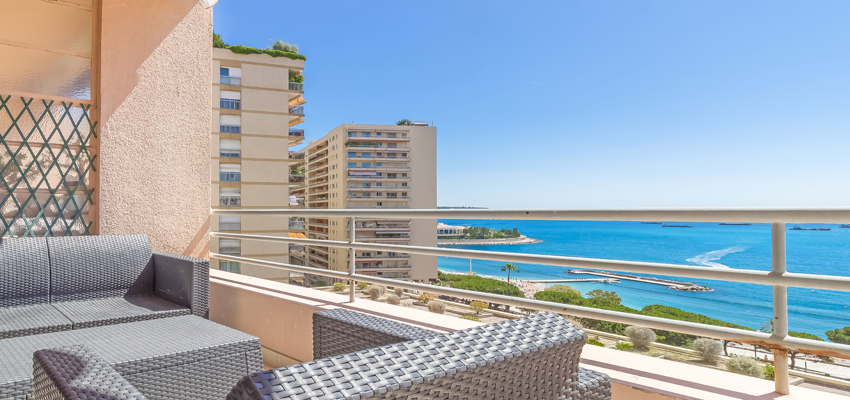 2 bed apartment for sale in Larvotto with seaview