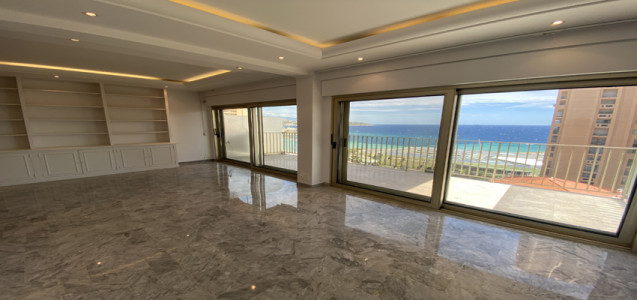 Large 3 roomed apartment with seaview