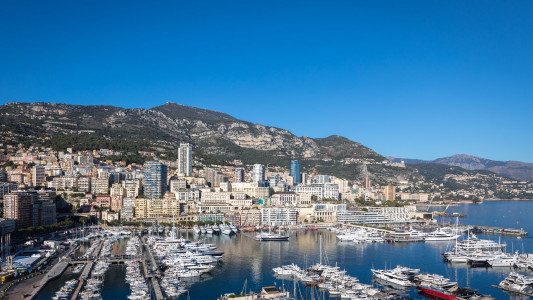 Spacious office on the port of Monaco